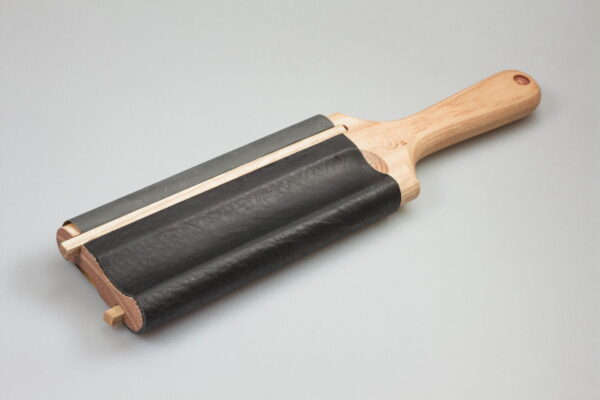 LS5 – Spoon Knives Dual-Sided Paddle Strop