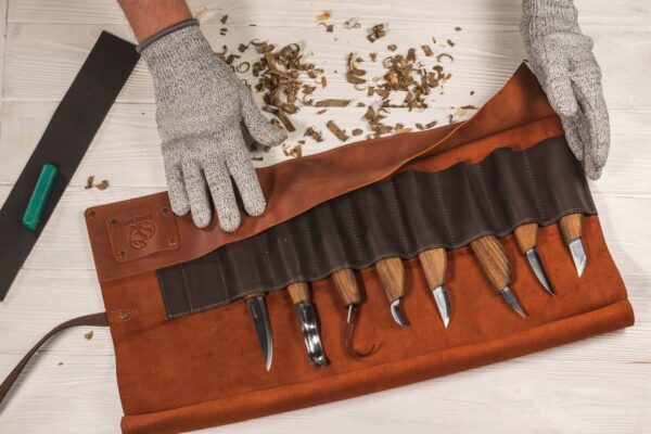 S18X – Deluxe Wood Carving Set With Walnut Handles - 4